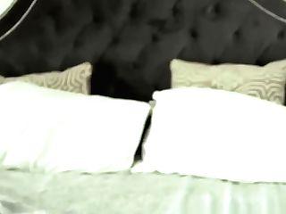 Big-titted Blonde Cougar Wraps Her Lips Around Big Pecker