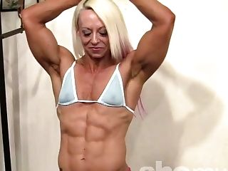 Female Bodybuilder Shows Off Her Matures Fbb Muscles