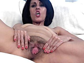 Housewife Housewife Smallish Saggy Tit Gypsy Youthful Bitch - Female