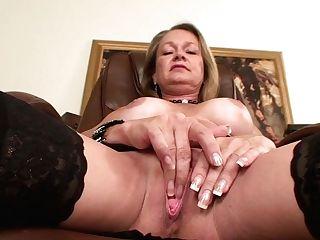 Porno Makes This Mom Humid!