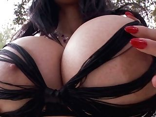 Fabulous Bosomy Mummy Jayden Jaymes Loves Providing Stunning Boob Job