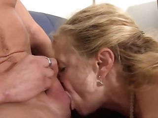 Xxxomas - Matures Blondie Gets Her Slit Pounded Hard In German 3some