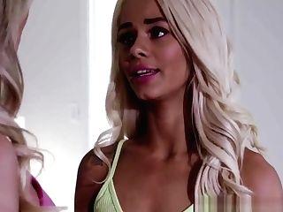 Gorgeous Blonde Les Nubile