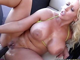 Phat Ass Milky Girl Nextdoor Mummy Alura Jenson Goes Black And Gets A Mouthhole Of Spunk