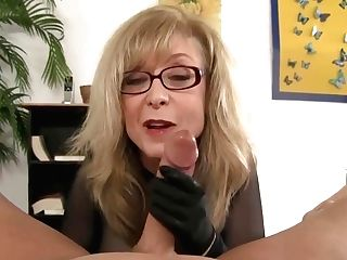 Horny Stepmom Jerking