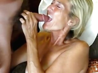 Matures Exhibitionist Loves Sucking Dick And Flashing Off
