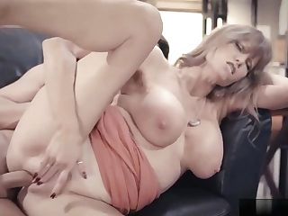 Horny Chief Fucks Gorgeous Gilf Assistant