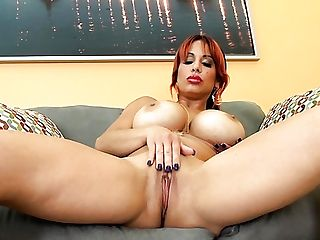 Big-boobed Chubby Alone Ginger-haired Alyssa Lynn Is Into Fingerblasting Herself