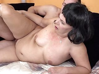 Curvy Housewife Sucking And Fucking Her Fucktoy Boy - Maturenl
