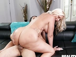 Christie Stevens In The Sunscreen Asshole - Lilhumpers