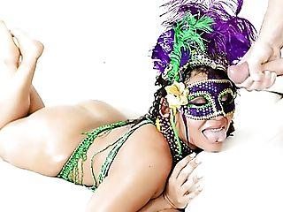 Ready For Festival Chubby Lady With Giant Culo Carmela Clutch Rails Dick
