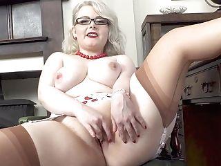 Sexy Plus-size Danni Marie Hot Solo
