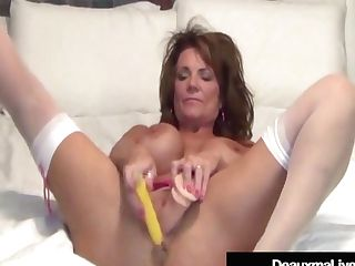 Texas Cougar Deauxma Uses Assfuck Speculum & Fucktoy To Squirt Her Spunk!