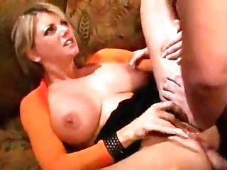 Big-boobed Blondie Vicky Vette Loves Buttfucking