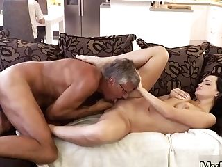 Old Mom Anal Intercourse Xxx What Would You Choose - Computer Or Your Girlboss?