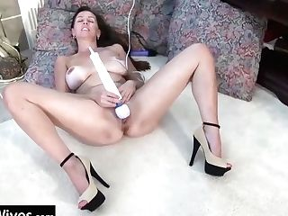 Usawives Nice Matures Ladies Solo Showoff Footages